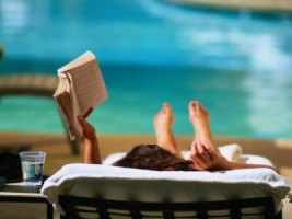 reading-at-the-pool[1]